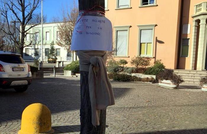 La sciarpa «sospesa» a Calusco d'Adda