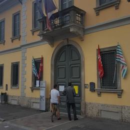Al sindacato la «guerra delle bandiere» Condannato il Comune di Fara d'Adda