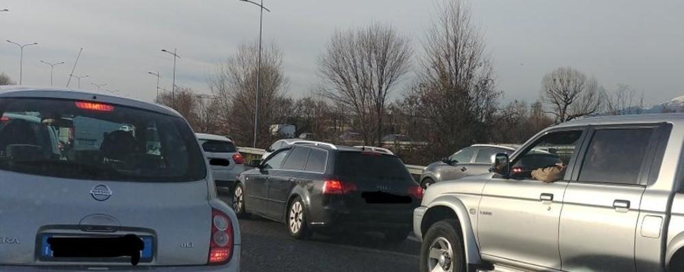 Incidente sull'Asse interurbano Traffico in tilt dalla Fiera a Bergamo