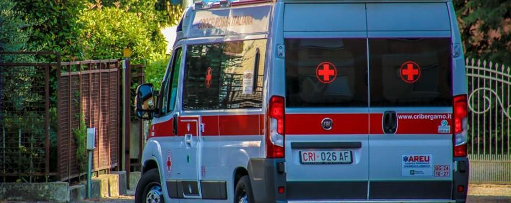 Nembro, incidente sulla superstrada Strada chiusa, otto feriti: traffico in tilt