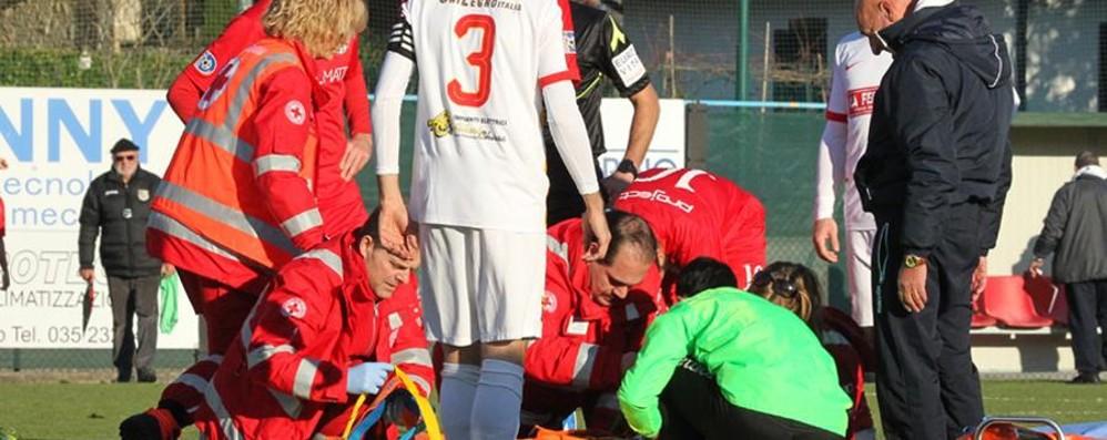 Scanzo-Virtus Bergamo, scontro di gioco Massaggio cardiaco per il  21enne Gomis
