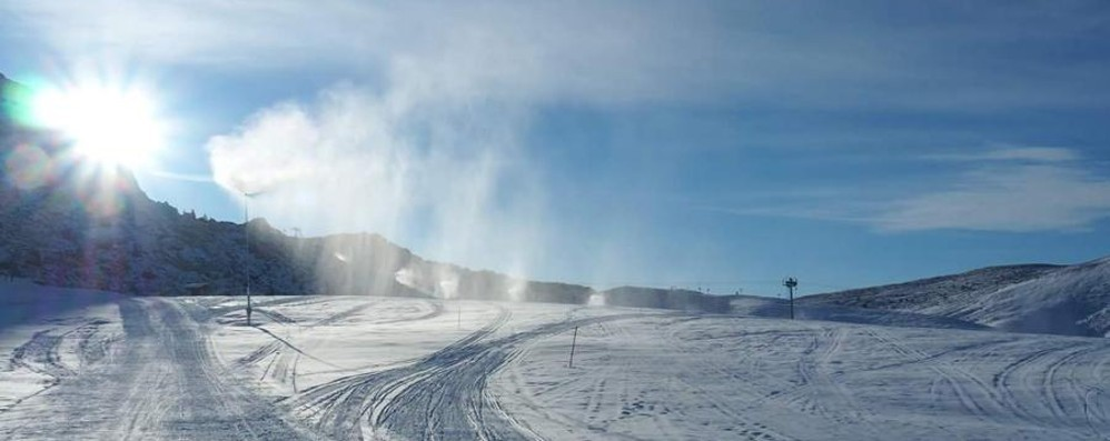 «Senza gomme da neve non si passa» Piani di Bobbio, stop dal lato di Lecco