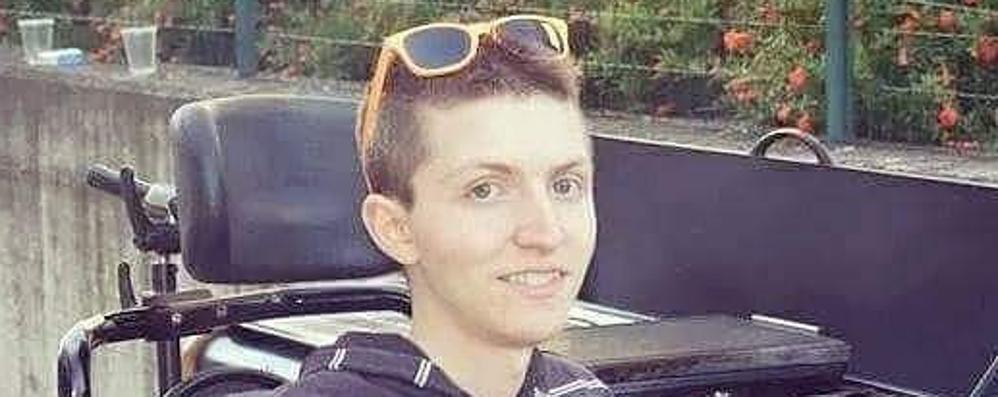 Muore a 22 anni di distrofia Tutta Pontirolo piange Mirko