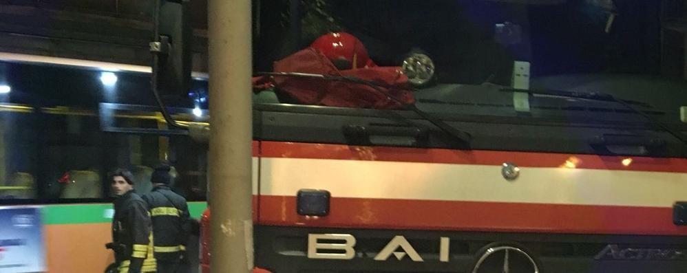 Via Paglia, dà l'allarme il cugino Insegnante 70enne trovato morto in casa