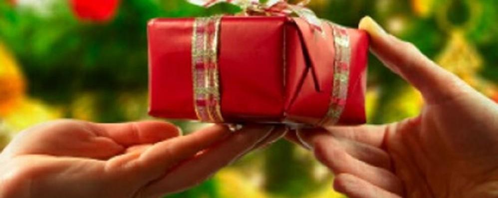 Bergamaschi spendaccioni a dicembre Ma per i regali «solo» 166 euro a testa
