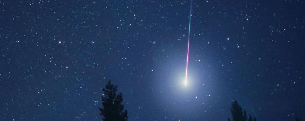 Dopo la super luna le stelle cadenti E  dallo Spazio AstroPaolo ci saluta