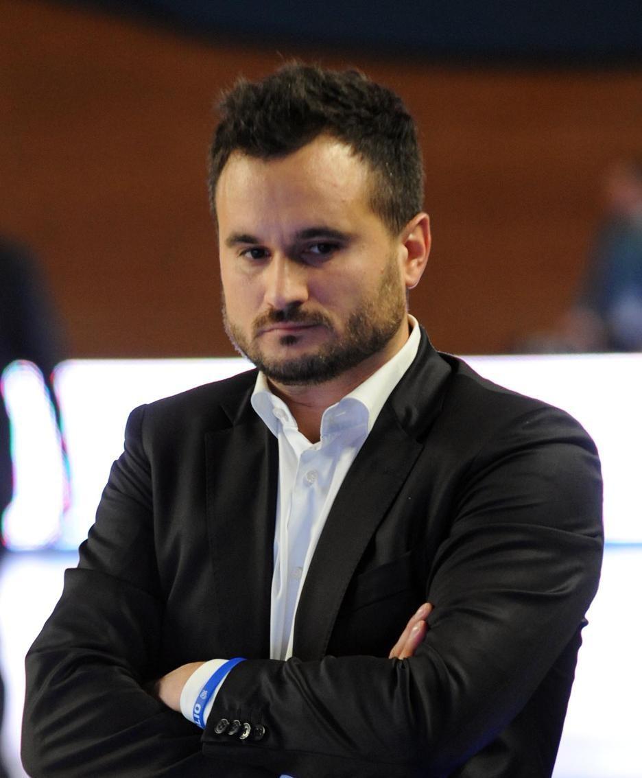 L'allenatore della remer Adriano Vertemati