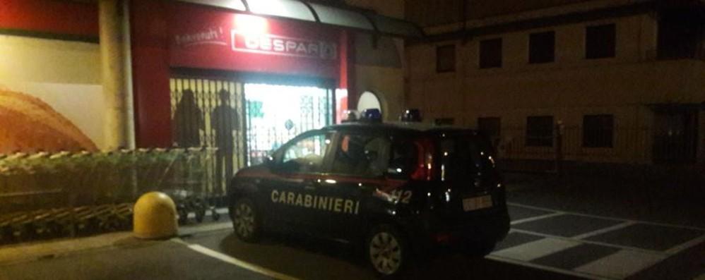 Pedrengo, rapina con pistola al market  Cassiere minacciate e chiuse in bagno