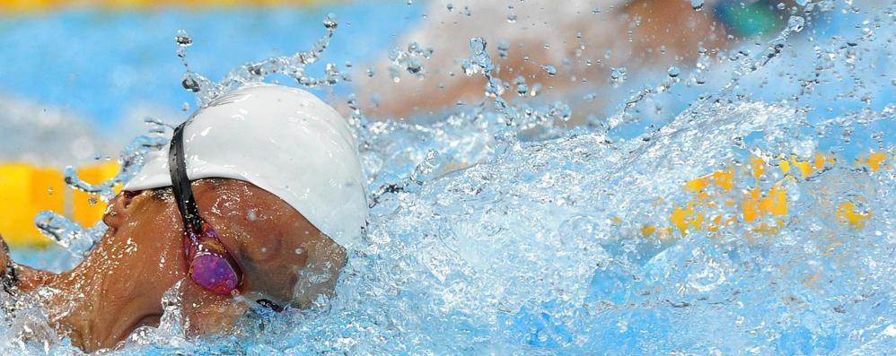 A Seriate famiglie in piscina E i genitori nuotano gratis