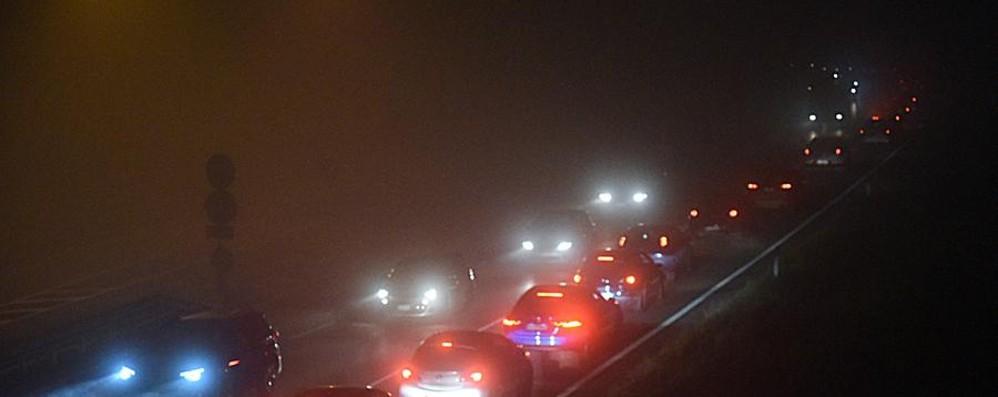Auto contro moto in via Gavazzeni Attenzione, traffico difficoltoso in zona