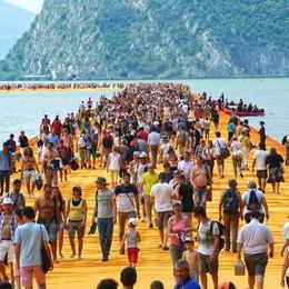 «Floating piers», per il lago 283 milioni  Decisivo il ruolo dell'aeroporto di Orio