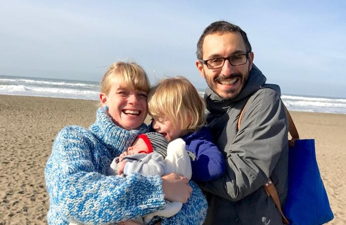 Alberto con la moglie e i due figli