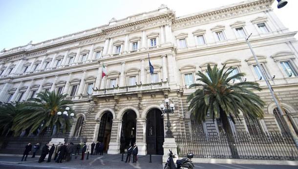 Bankitalia: debito 2016 sale a 2.217 mld