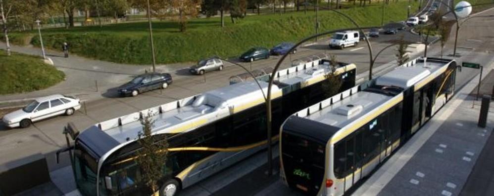 Cinque nuove corsie preferenziali Con il metrobus si tagliano i tempi