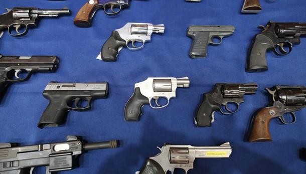 Congresso allenta stretta Obama su armi