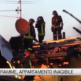 Villa di Serio, in fiamme il tetto di un'abitazione