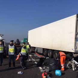 Furgone contro camion ad Antegnate Tragedia sulla Brebemi: morti due operai