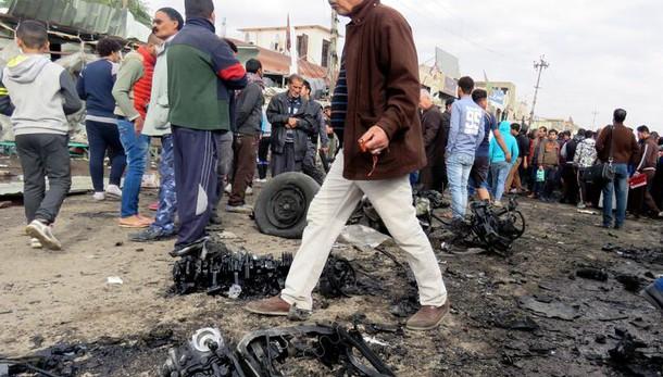 Iraq: autobomba a Baghdad, 18 morti
