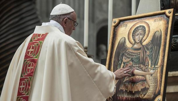 Papa ricorda fine guerra, 'ero bimbo'