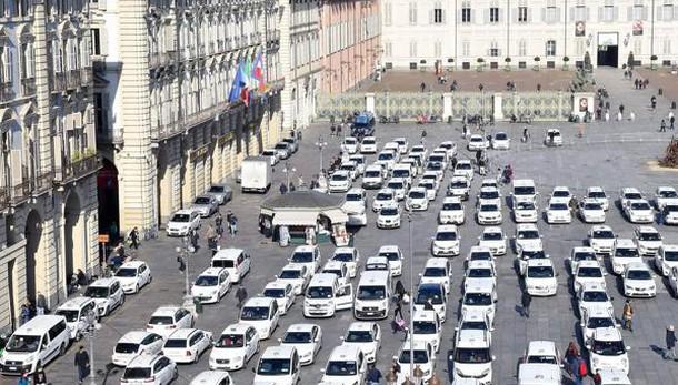 Sciopero Taxi: deputati per stop lavori