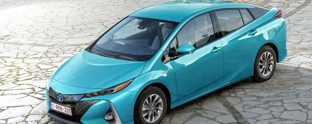 Toyota Prius elettrica  Pannello solare sul tetto