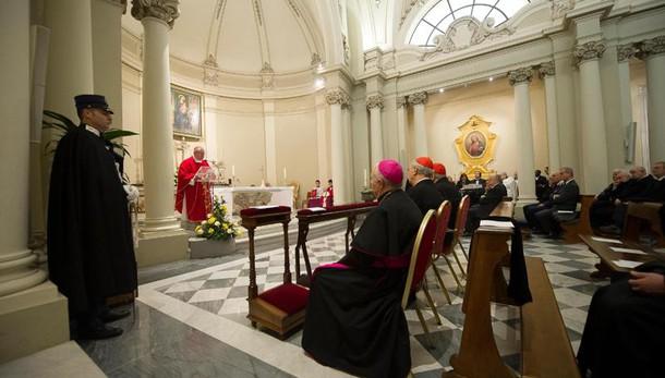 Vaticano: riciclaggio, sequestro 12 mln