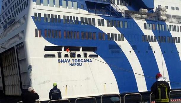 Incolumi i passeggeri a bordo traghetto
