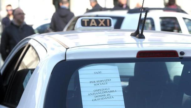 Quarto giorno di stop dei taxi a Roma