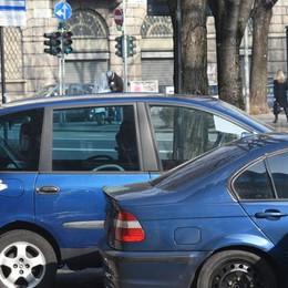 Sosta in centro, raddoppiate le multe  Domenica con 63 vetture senza ticket