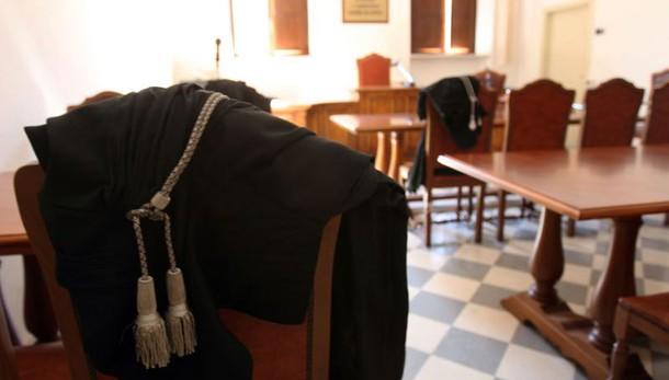 Concessione spiagge Ostia: 7 condannati
