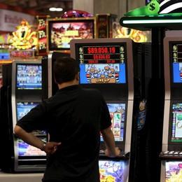 «Entro tre anni via slot da bar e tabacchi» La riforma del gioco slitta ancora