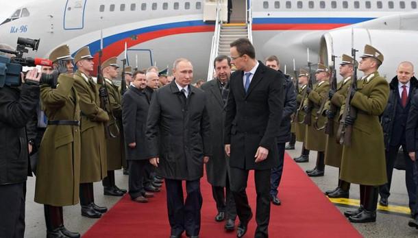 Putin, Kiev estorce denaro a Usa e Ue