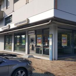 Rapina in banca a Paladina Cassiera minacciata con un taglierino