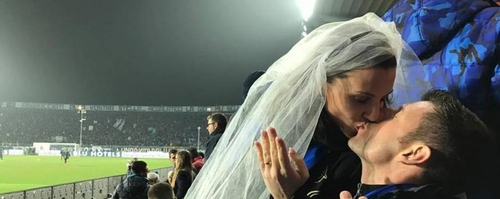 Mirko e Alice, sposi allo stadio Dopo il matrimonio c'è l'Atalanta
