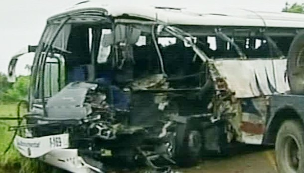 Argentina: frontale tra bus, 13 morti
