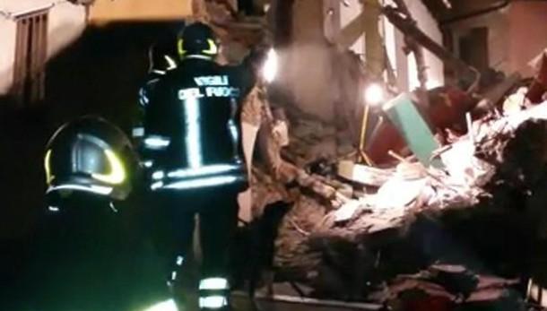 Crolla palazzo a Catania, una vittima