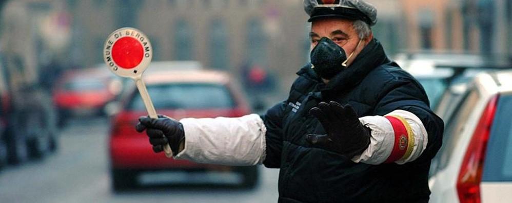 Lo smog torna a salire Polveri sottili ancora alte