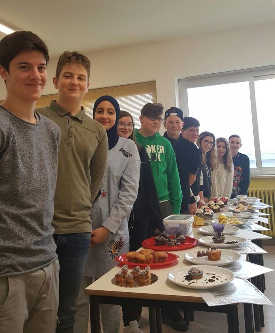 I 10 allievi arrivati in finale, con i propri muffin