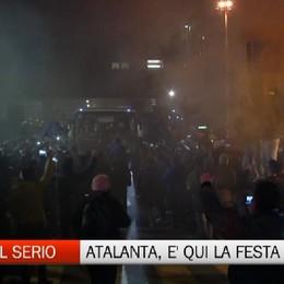Atalanta, tifosi in festa all'aeroporto di Orio