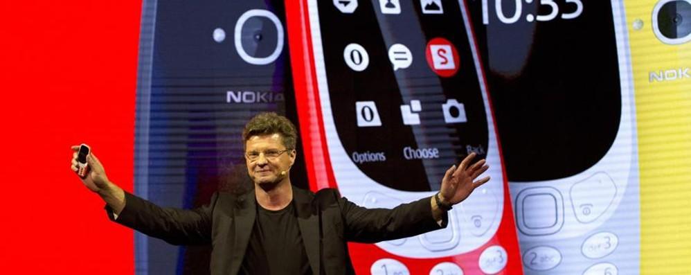 Niente touch e c'è pure «Snake» Il Nokia 3310 è tornato - Foto