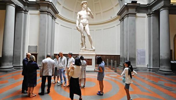 Italiani fiduciosi su crescita turismo