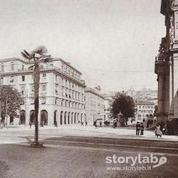 Largo Belotti un secolo fa Il cuore del centro è  (quasi) intatto