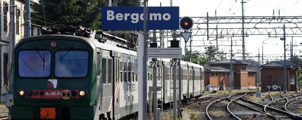 Caos sulla tratta Milano-Bergamo Guasti sui treni dei pendolari