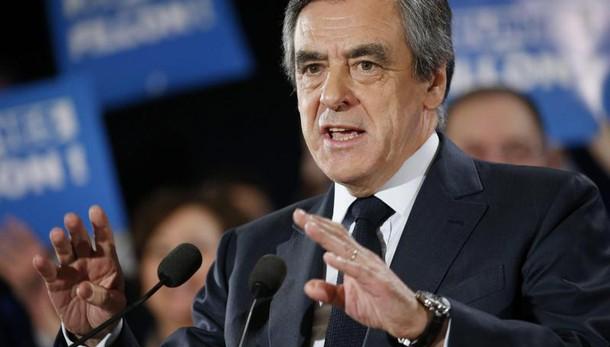 Francia: il mea culpa di Fillon
