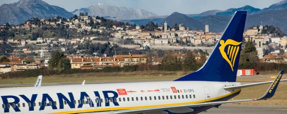 Ryanair, volare costa ancora meno La tariffa media è di 33 euro, calo del 17%