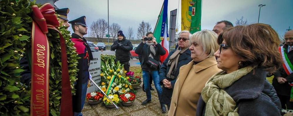 Uccisi a Dalmine dalla banda Vallanzasca Ricordati i due agenti della Polizia