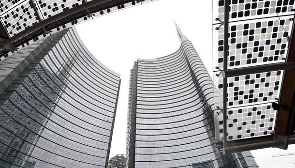 Unicredit soffre in Borsa con aumento