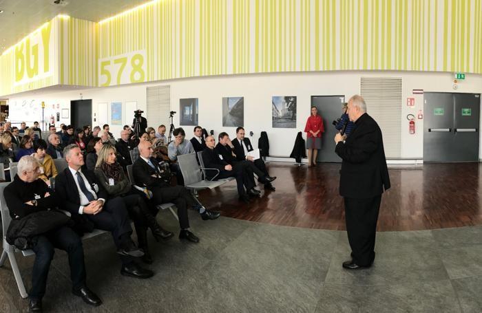 La conferenza stampa di presentazione dei voli