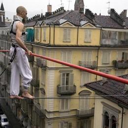 Il funambolo zen che cammina sui cavi Andrea Loreni si racconta ad Ardesio