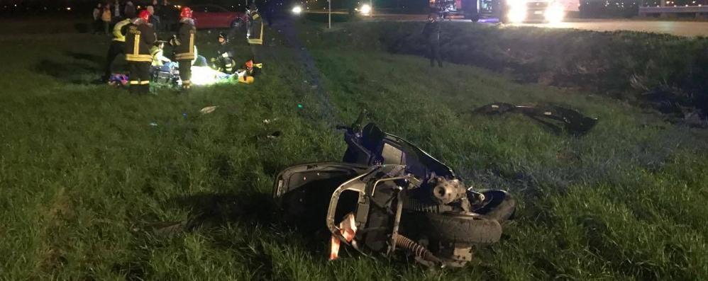 Schianto in scooter contro un auto Muore un 38enne a Mornico  - Video